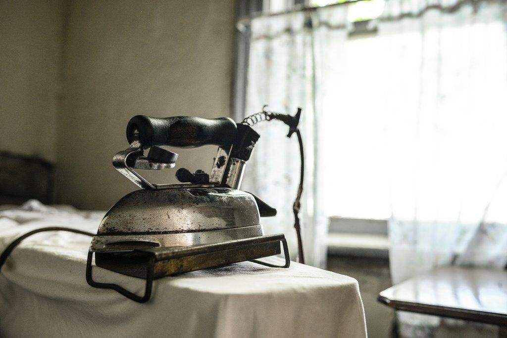 Table a repasser centrale vapeur excellent table - Housse de table a repasser pour centrale vapeur ...